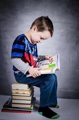 child-reading-books